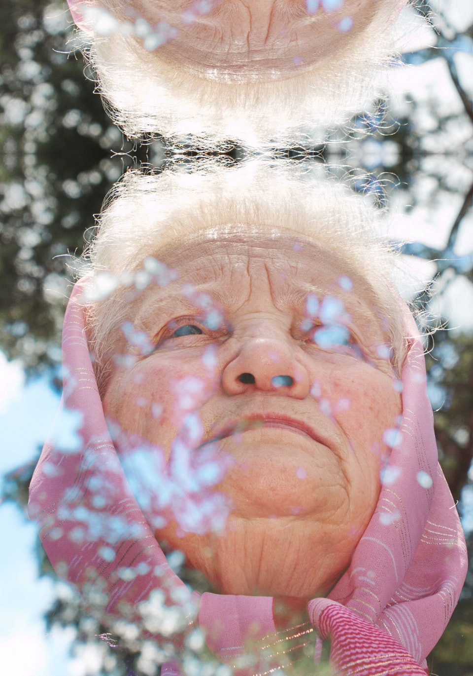 Subach_Grandmothers_on_the_Edges_10