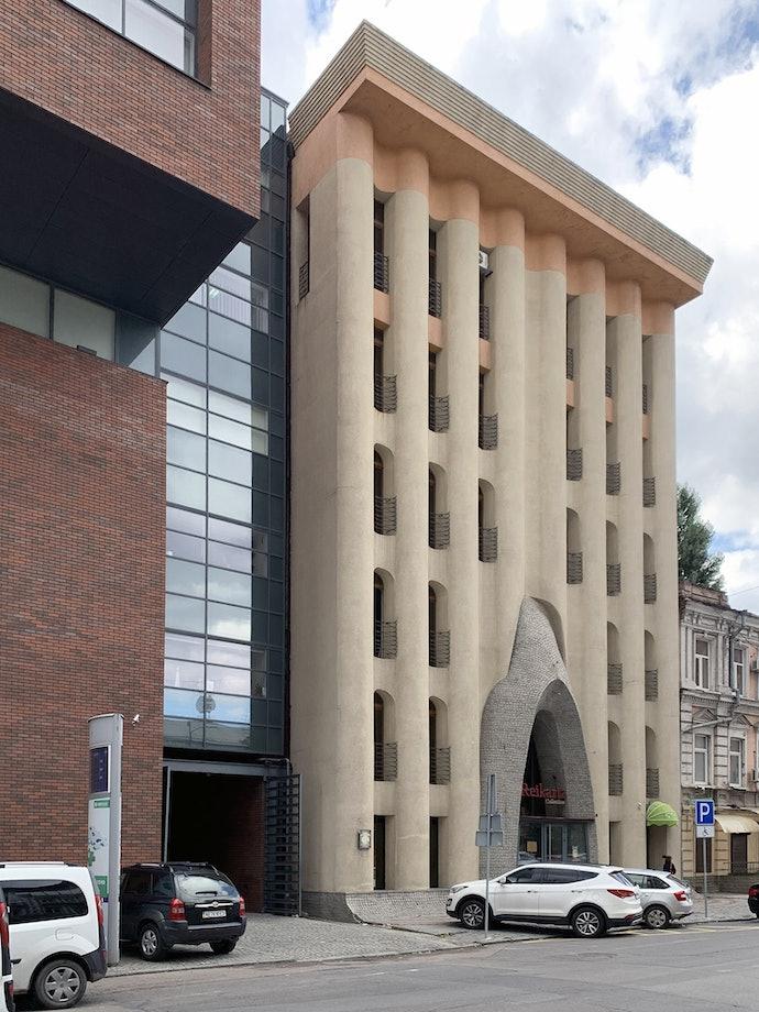 Гостиница «Каспий», Днепр украинская архитектура постмодернизм